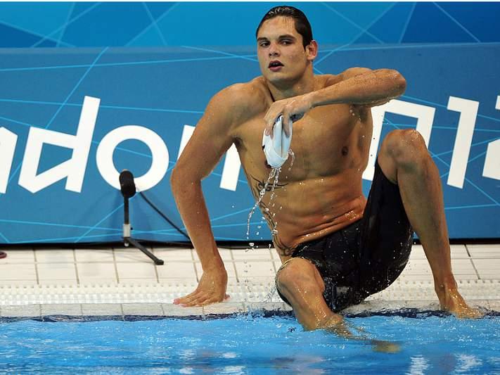 Florent Manaudou conquista ouro nos 50 metros livres