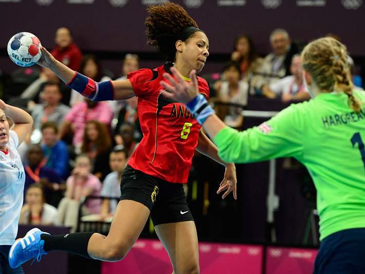 Angola testa vice-campeã mundial França