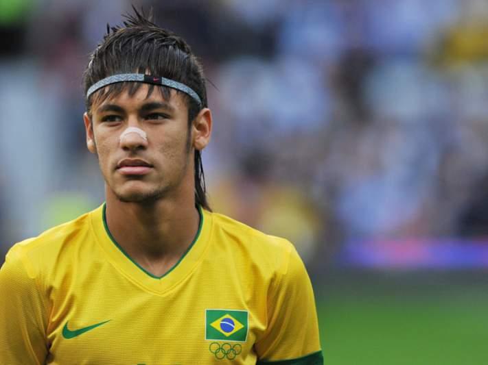 Neymar marca grande golo no Brasil 2-2 Chile