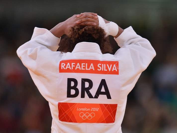 Insultos racistas a judoca brasileira pode levar responsáveis a tribunal
