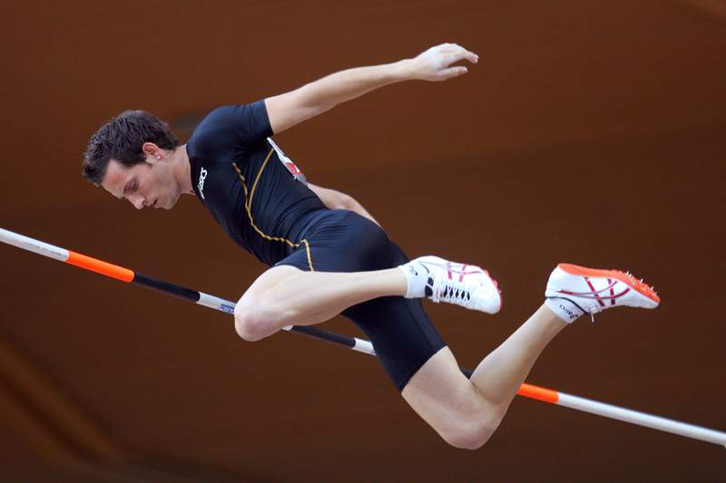 Renaud Lavellenie salta para o ouro