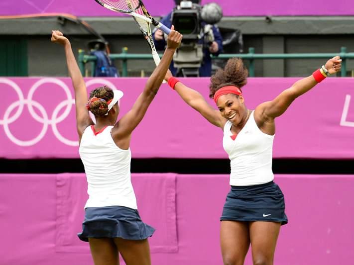 Irmãs Williams somam terceiro título em pares femininos