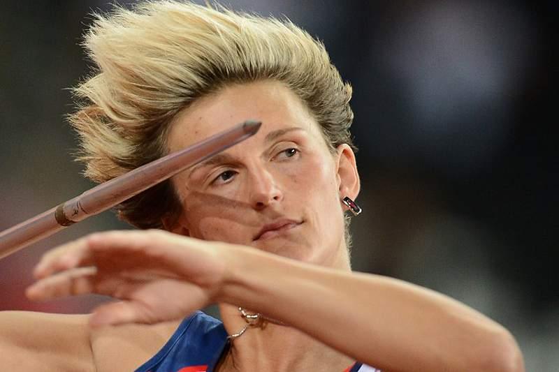 Barbara Spotakova revalida ouro olímpico