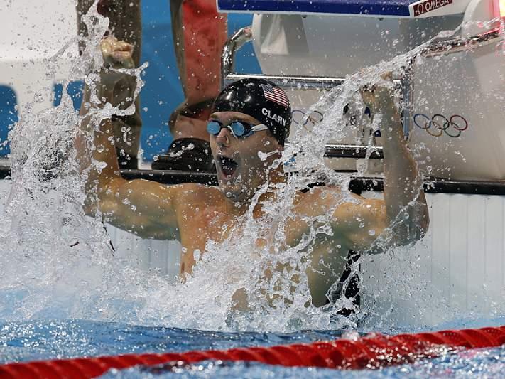 Tyler Clary conquista ouro e recorde olímpico