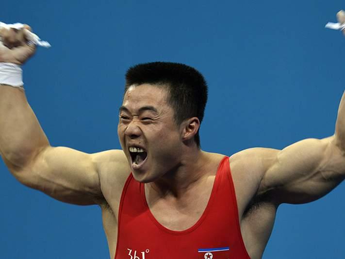 Norte-coreano com novo recorde do Mundo em Halterofilismo