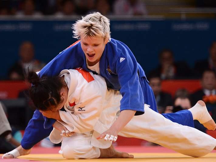Eslovena conquista ouro na categoria -63 kg