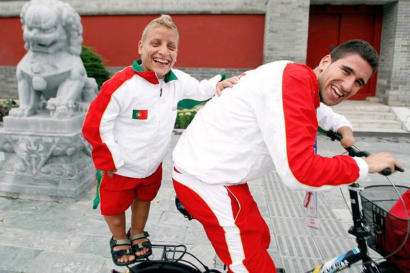 Nadadores portugueses partem esta quinta-feira