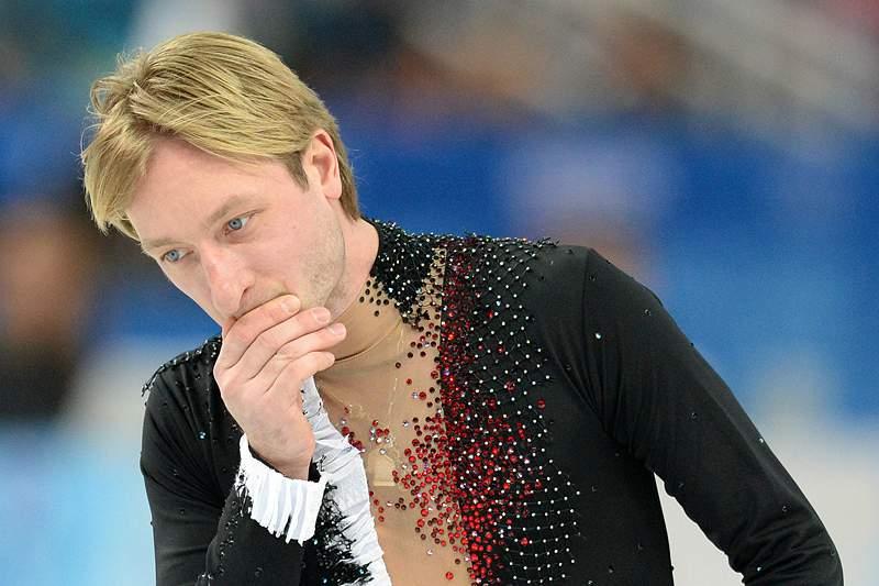 Plushenko abdica da prova individual e retira-se da patinagem