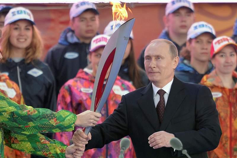 Tocha olímpica chega à Rússia