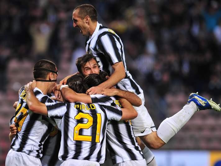 Milan e Juventus no primeiro duelo da época