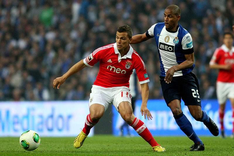 FC Porto e Benfica chegam às meias em pé de igualdade