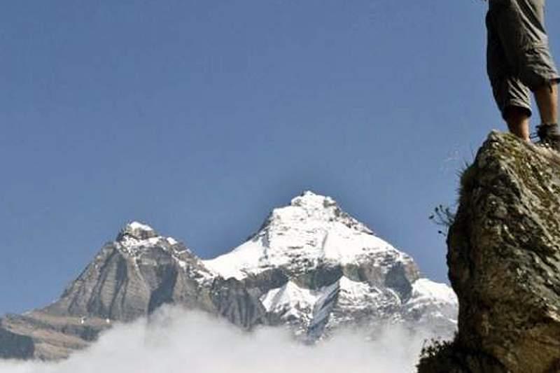 Avalanche mata dois montanhistas e deixa 13 desaparecidos