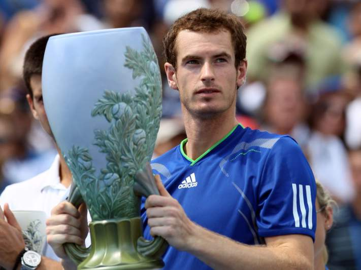 Andy Murray junta-se a Federer na final
