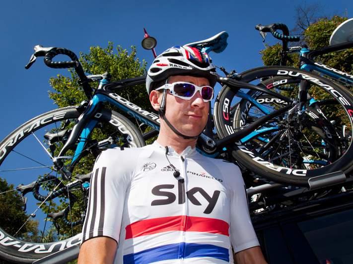 Wiggins mostra credenciais para o Tour