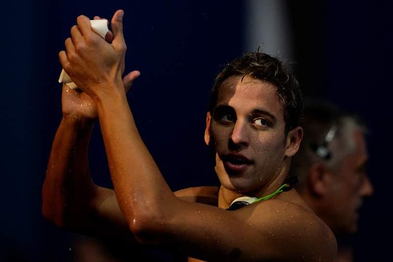 Le Clos bate recorde do mundo dos 200 mariposa em piscina curta