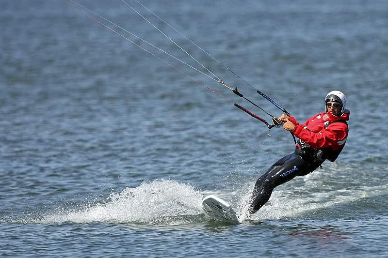 Português bateu hoje recorde do mundo em kitesurf