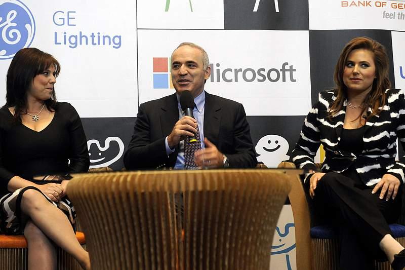Kasparov quer obter nacionalidade letã
