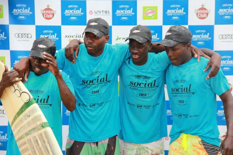 Equipa de Cabo Ledo vence 1º campeonato de surf angolano