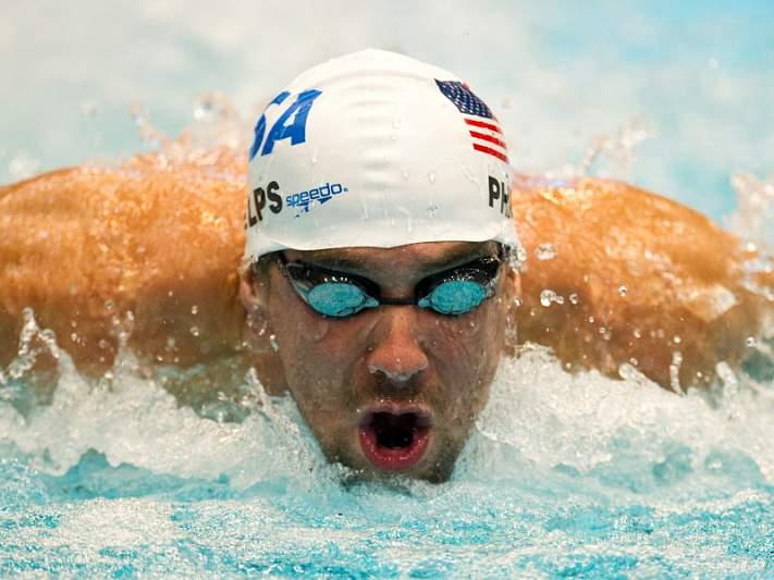 Phelps bate recorde dos 200 metros