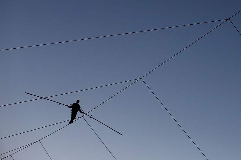 Equilibrista bate recorde na travessia do Grand Canyon