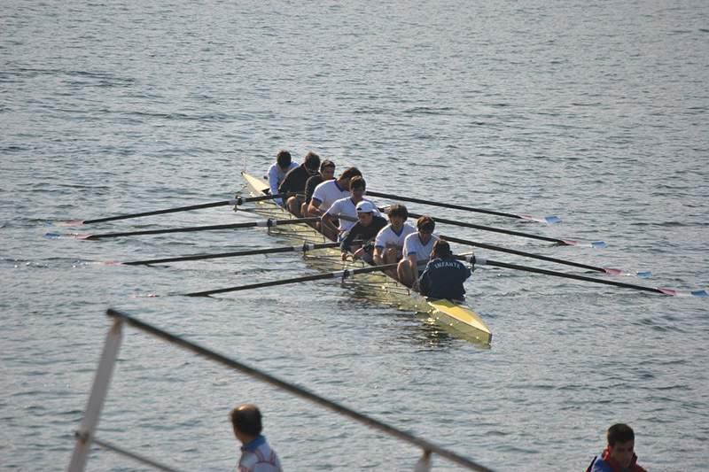 Académica de Coimbra vence regata de remo no Douro e vai competir no rio Tamisa