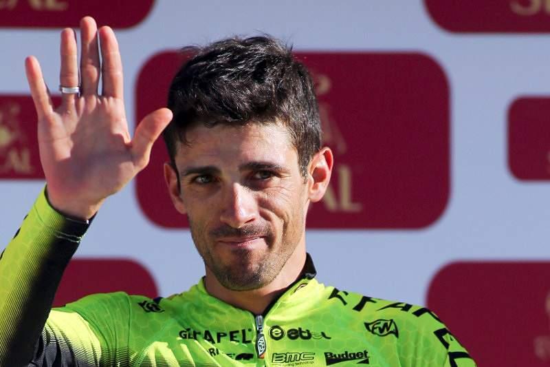 Suspensão de 12 anos acaba carreira de Sérgio Ribeiro