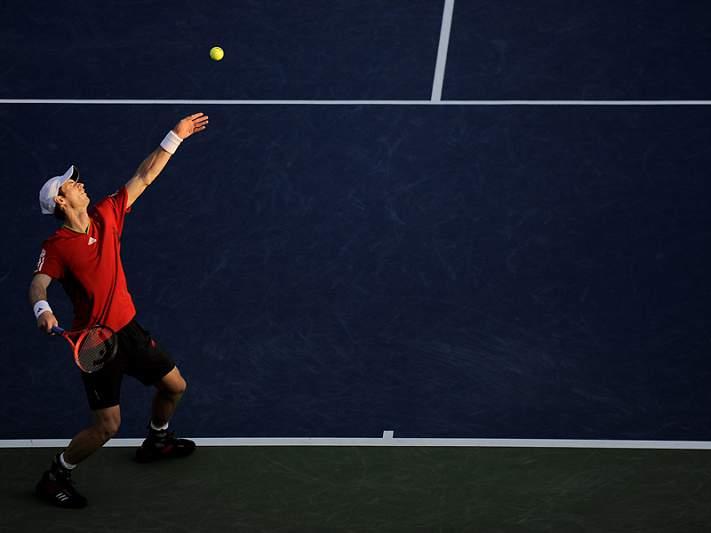 Murray e Federer nas meias-finais