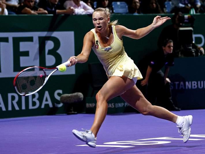 Wozniacki perde mas termina ano em primeiro