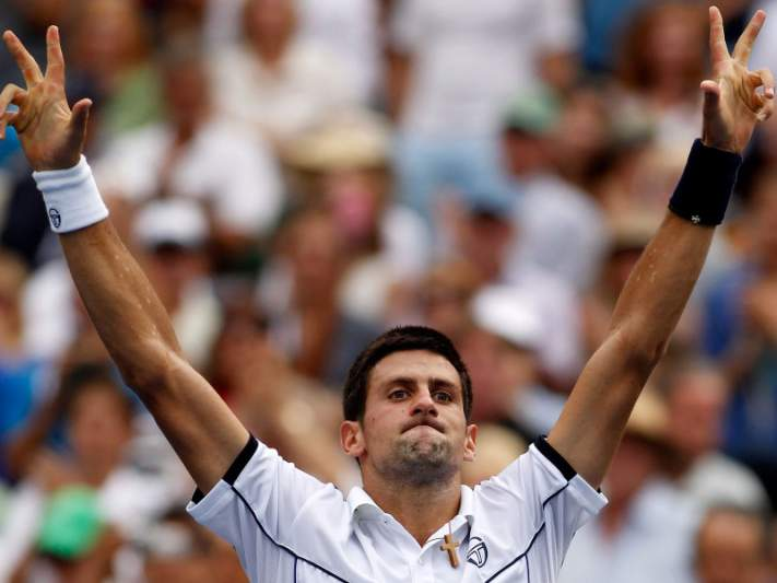 Líder Djokovic vê favoritismo recair em Federer