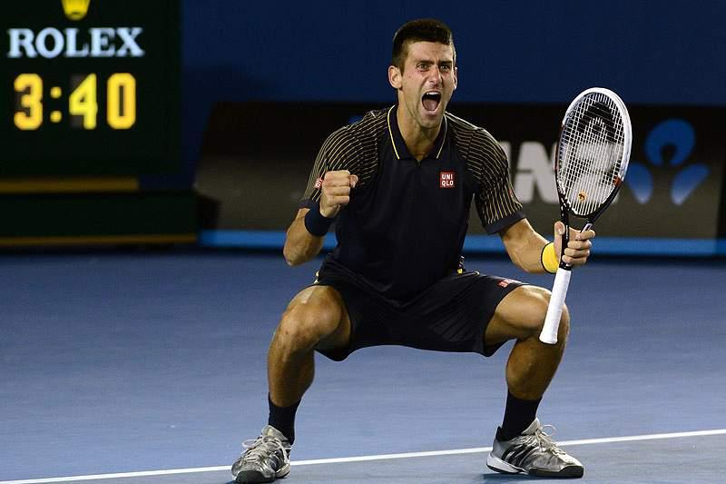 Djokovic coloca Sérvia nas