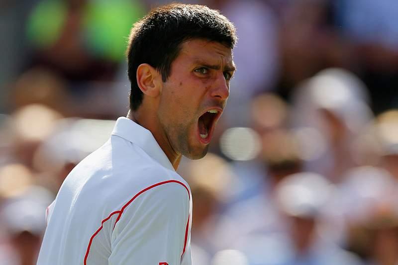 Djokovic segue para os