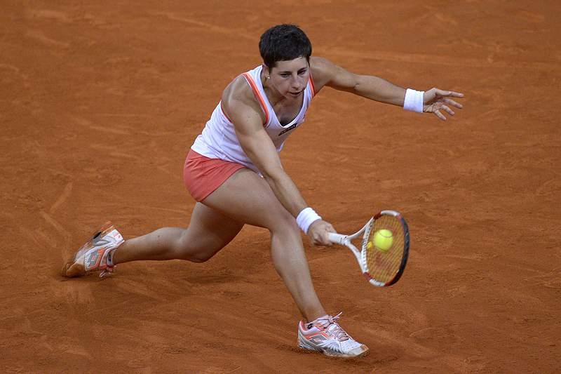 Kuznetsova e Suárez Navarro na final