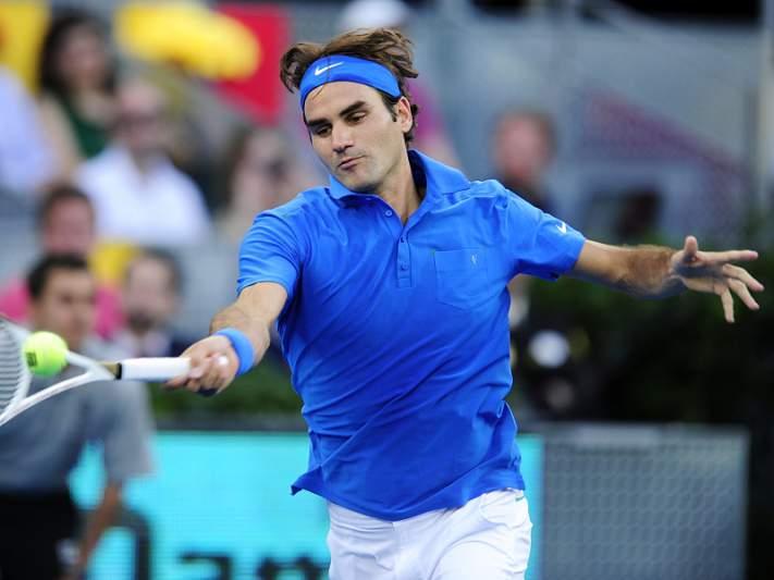 Federer ruma aos 'quartos' sem jogar