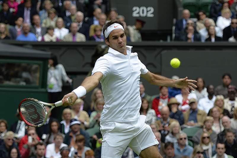 Roger Federer vence Victor Hanescu em Wimbledon