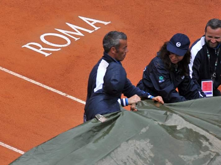 Final entre Djokovic e Nadal adiada para segunda-feira