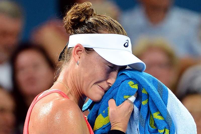 Stosur e Wozniacki eliminadas à primeira