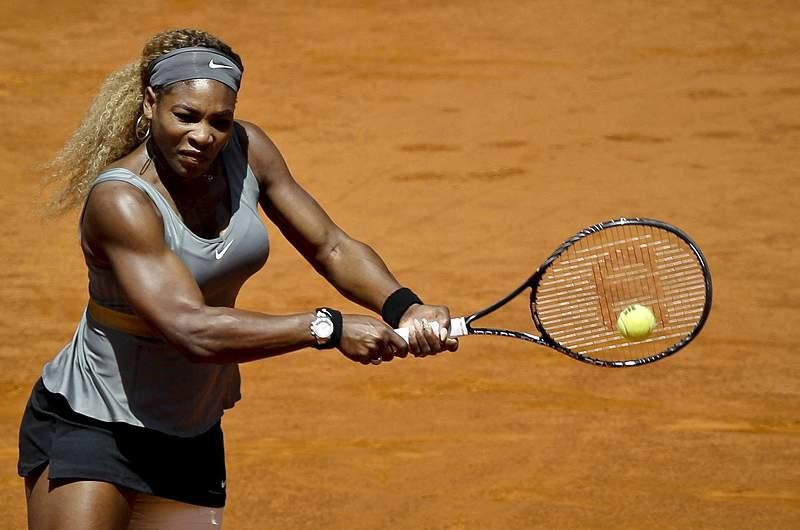 Serena Williams abandona devido a lesão