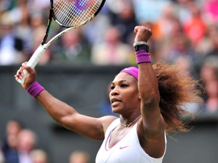 Serena Williams afasta Zvonareva