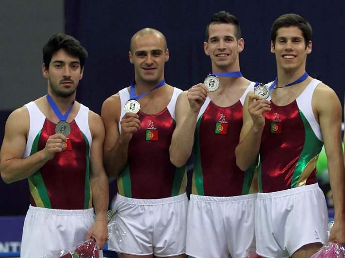André Pocinho conquista ouro no duplo mini-trampolim