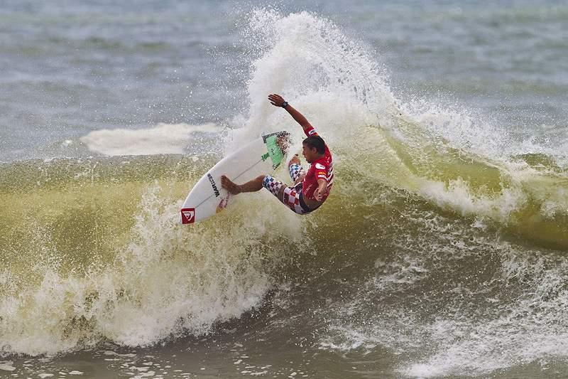 Hugo Pinheiro e Vasco Ribeiro promovem confronto entre Bodyboard e Surf