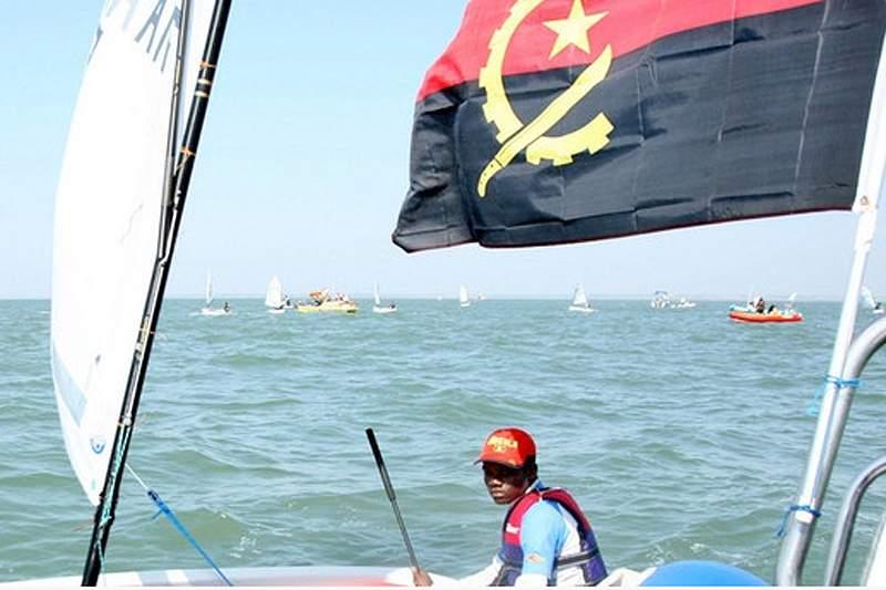 Vinte embarcações disputam campeonato de Cabinda