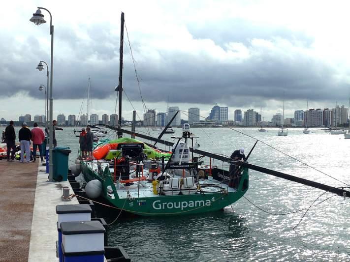 Groupama 4 chega a Punta del Este para substituir mastro