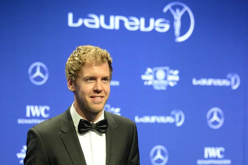 Vettel bate Ronaldo e leva Laureus de desportista do ano