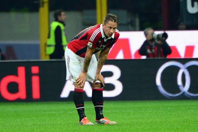 Milan com um jogo à porta fechada por insultos dos seus adeptos