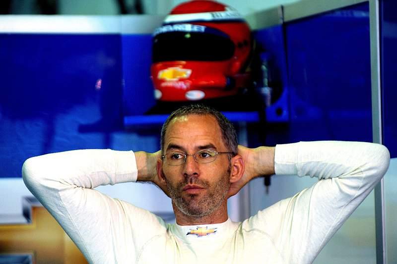Alain Menu vence corrida do WTCC mas termina em segundo no campeonato