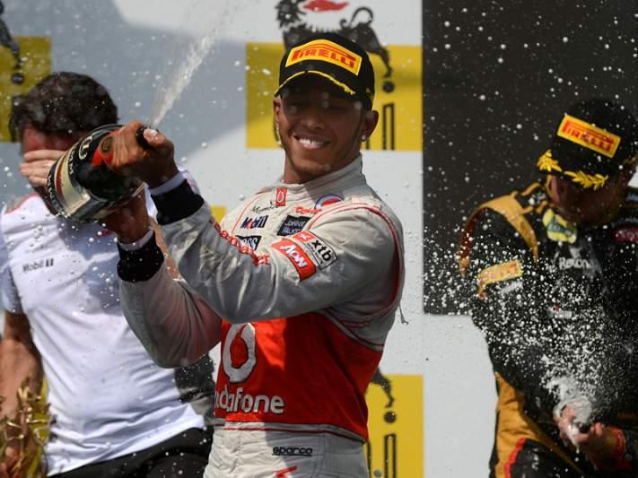 Lewis Hamilton sai da McLaren