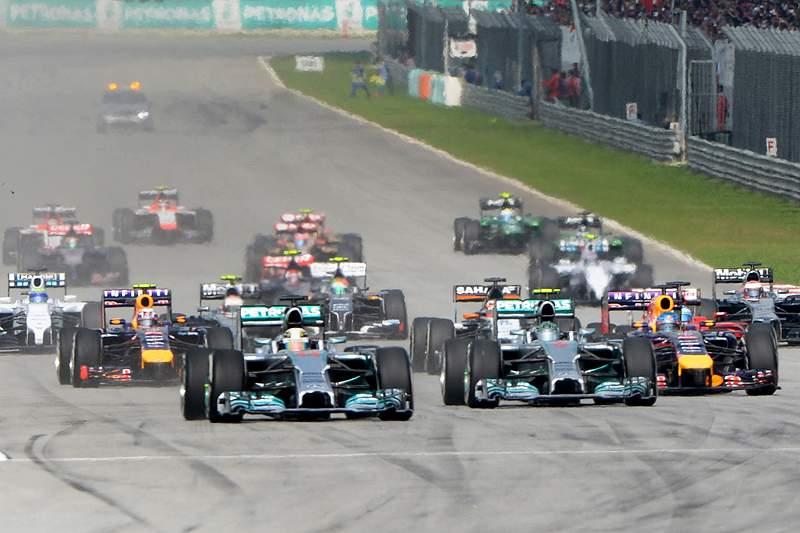Hamilton vence GP da Malásia