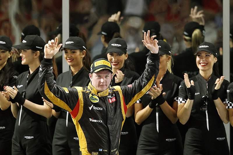 Raikkonen dá nova vitória à Lotus 25 anos depois