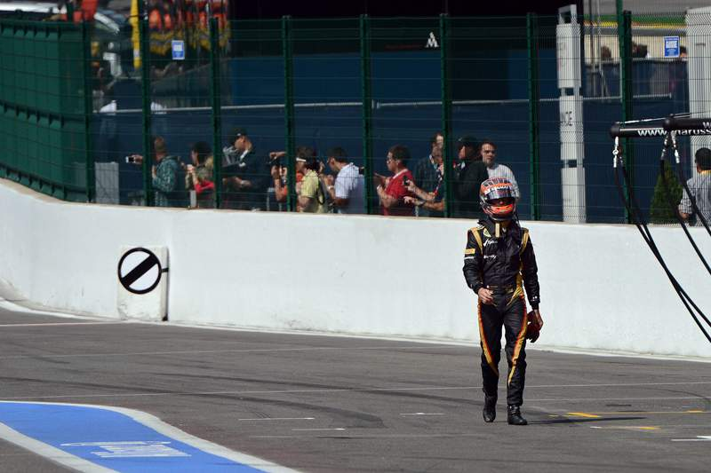 Grosjean supera Alonso na Hungria