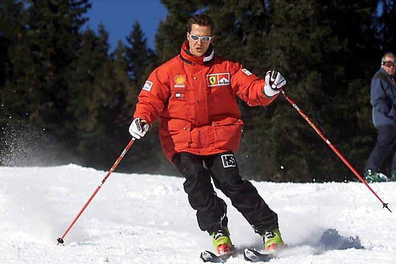Jornalista veste-se de padre e tenta visitar Schumacher